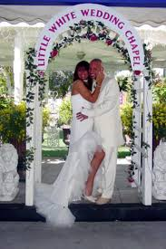 wedding arch las vegas a white wedding chapel weddings get prices for wedding venues