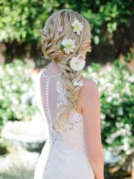 coiffure mariage boheme idées de coiffure mariée bohème cheveux longs fleur melle