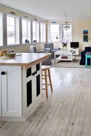 White Laminate Floor Beading 39 Best Dark Floor White Walls Images On Pinterest Home Homes
