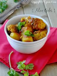 cuisine hindou aloo gobi curry indien de pommes de terre et chou fleur épices