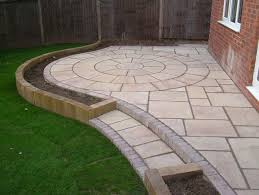 Reclaimed Patio Slabs Best 25 Garden Paving Ideas On Pinterest Paving Ideas