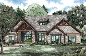 house plan 82262 at familyhomeplans com click here to see an even larger picture country craftsman house plan