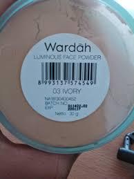 Bedak Tabur Wardah Anti Acne review wardah luminous powder ivory cyanophyta s diary