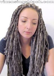 installing extension dreads in short hair vixensingsblack true ash yarn extensions spun by livethehappy of