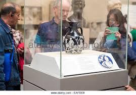 The Portland Vase Cameo Glass British Museum Stock Photos U0026 Cameo Glass British