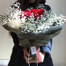 baby s breath bouquet roses and baby s breath bouquet 12 or 20 flower delivery south
