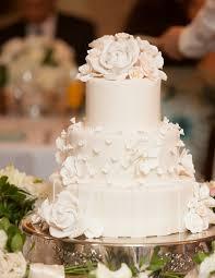 mariage et blanc gâteau de mariage original en 105 idées de décoration florale