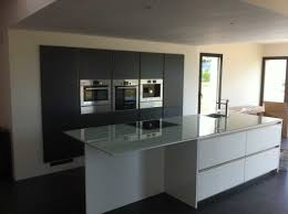 cuisine grise plan de travail noir impressionnant cuisine blanche plan de travail noir et cuisine