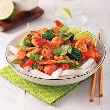 cuisiner crevette sauté aux crevettes sur nouilles de riz recettes cuisine et