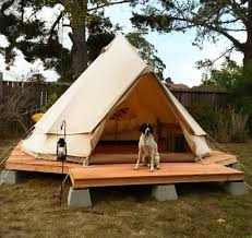 Tent In Backyard by Simple Wood Platform On Cinder Blocks Backyard Yurt Tent