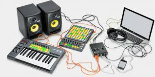 how novation audiohub 2x4 can be your music production hub video
