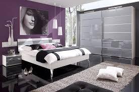 chambre violet et blanc stockphotos chambre a coucher violet et gris chambre a coucher