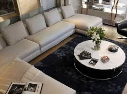 autour d un canapé structurer l espace de salon avec un canapé d angle
