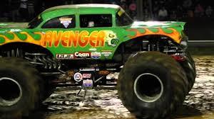 youtube monster jam trucks avenger monster truck freestyle youtube