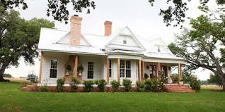 farmhouse tour chip and joanna gaines u0027 farmhouse like you u0027ve never seen it