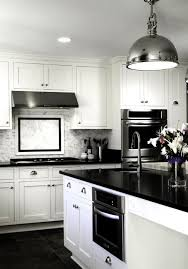 Black Countertop Kitchen by Best 25 Black Counters Ideas Only On Pinterest Dark Countertops