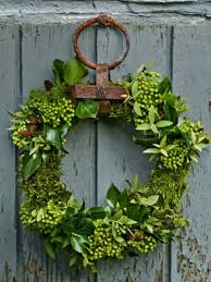 75 awesome wreaths ideas for all types of décor digsdigs