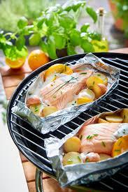 comment cuisiner du saumon surgelé papillotes de pavés de saumon pommes de terre et crème fraîche à l