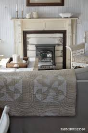 Vintage Farmhouse Decorating Ideas by 1478 Best Decorating With Quilts Images On Pinterest Mini Quilts