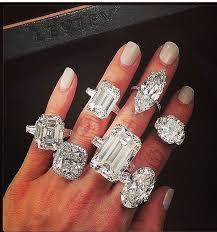 big diamond engagement rings does the size of your engagement ring really matter