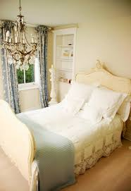 English Room Décor  Interior Designing Ideas - English bedroom design