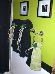 decorative bathroom towel displays