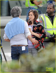 downsizing matt damon u0026 kristen wiig get to work on u0027downsizing u0027 photo