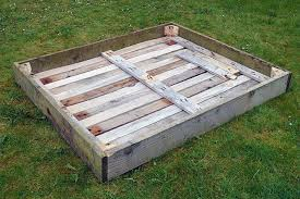How To Make Planters by Wheeled Pallet Planter Diy Instructions Garden Living And