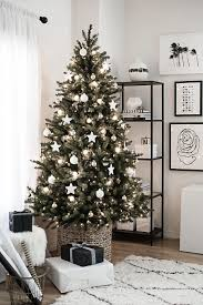 6 tips for decorating your christmas tree like a professional
