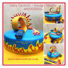 wheels themed birthday cake by cake central premier cake