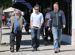 Sons Anarchy Halloween Costumes Charlie Hunnam Lunches Sons Anarchy Stars Daily Mail