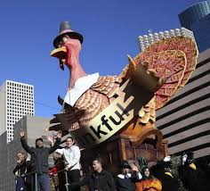 parade draws thousands for thanksgiving kickoff houston chronicle