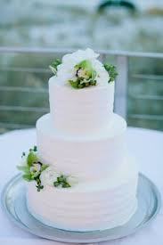 simple wedding cakes that prove less is more frostings cake and