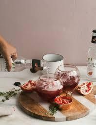 100 christmas cocktails u0026 holiday alcoholic drink recipes for 2017