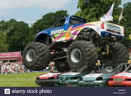 bigfoot the monster truck bigfoot monster truck trucks suv ford pickup pick up car crushing