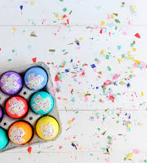 a pretty cool life diy confetti filled easter eggs