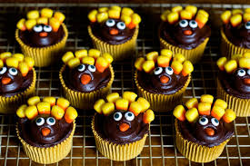 cute thanksgiving cupcakes 10 awesome cupcake decorating ideas