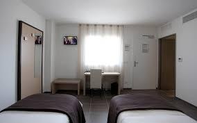 chambre lits jumeaux chambre lits jumeaux hôtel les pielettes