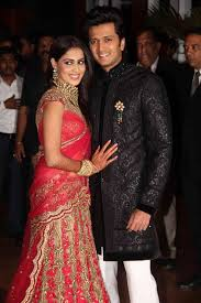 reception sarees for indian weddings tips for dressing for at a wedding reception the borrow it