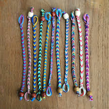 make bracelet with string images The diy fastest friendship bracelet ever jpg