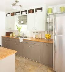 repeindre une cuisine ancienne modern peindre une cuisine sa rustique en bois ch ne gris 2 couleurs