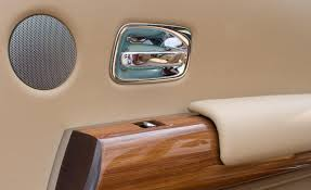 rolls royce interior wallpaper 2 door rolls royce phantom wallpapers pictures prices features