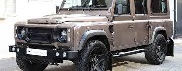 land rover track a kahn design представил land rover defender xs 110 chelsea wide