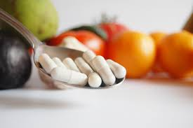 what vitamins help hair growth and thickness