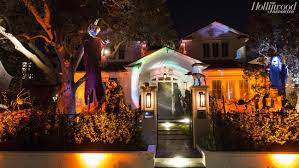 Halloween House Lights Best La Homes With Halloween Decorations Hollywood Reporter
