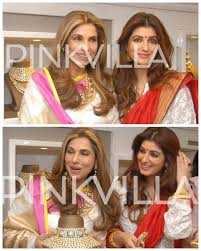 stunning dimple kapadia and twinkle khanna spotted at a jewellery