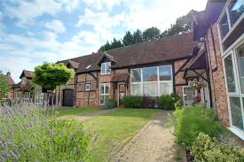 parkers reading 2 bedroom house for sale in manor barn gloucester