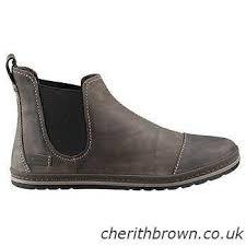 teva s boots nz teva authentic brand vans vivobarefoot wolverine rockport reef