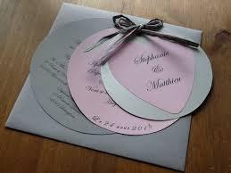 faire part mariage rond faire part menu prénom confettis et urne de mariage