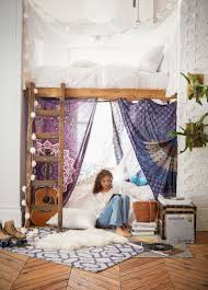 Organizing Your Bedroom Desk Dorm Tip Your Dorm Room Might Be A Tad Smaller Than Your Bedroom At